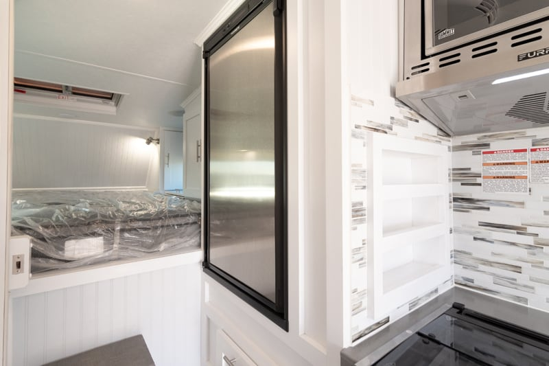 Granite 9RL Refrigerator Size