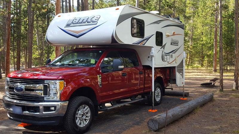 2011 Lance 855 Camping Level