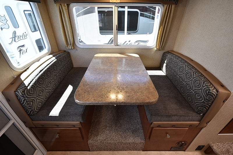 Arctic Fox 865 Dinette Table And Seats
