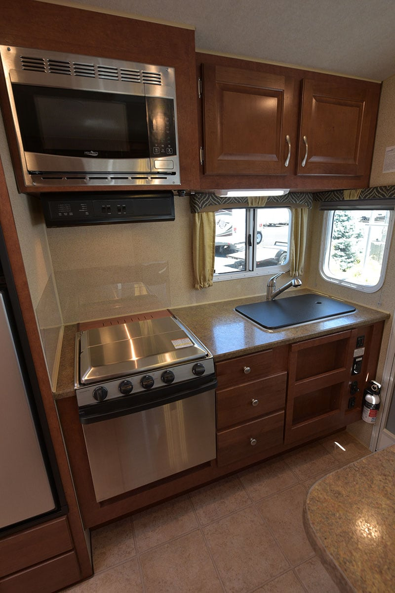 Arctic Fox 865 Kitchen Camper