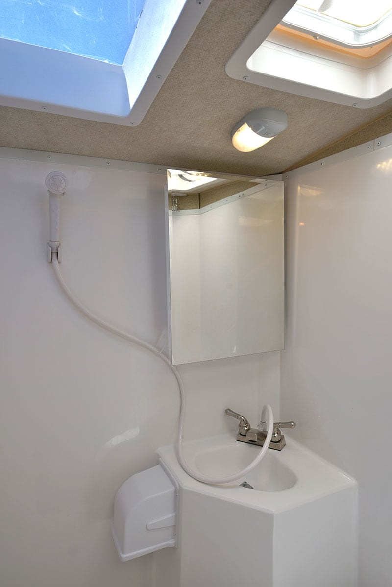 Arctic Fox 865 Wet Bath Shower Skylight