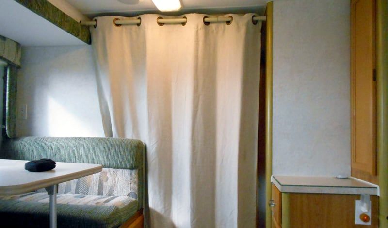 Privacy Curtain With Adjustable Rod Closed