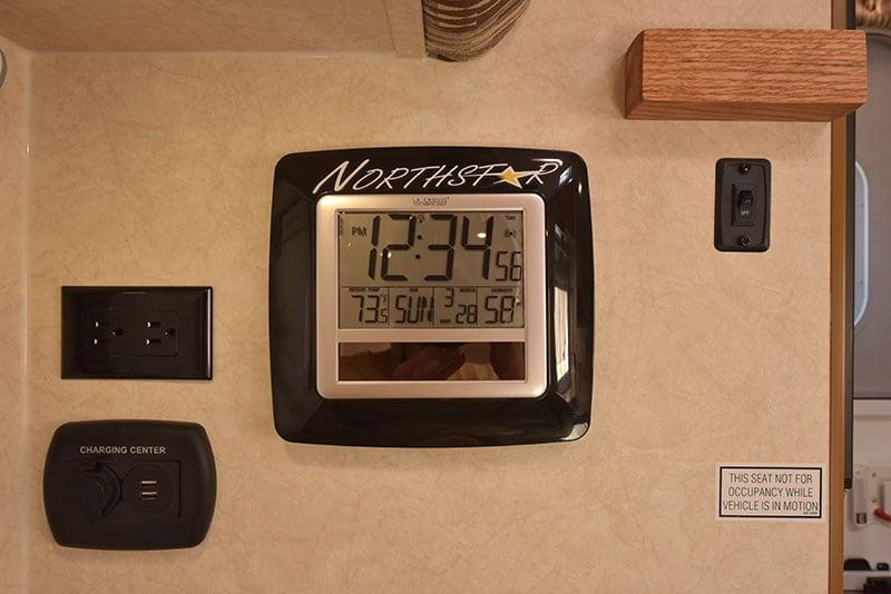 Northstar Liberty Dinette USB Clock