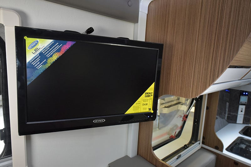 Cirrus 720 Cabover Television Mount