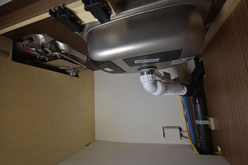 Cirrus 720 Kitchen Sink Underneath