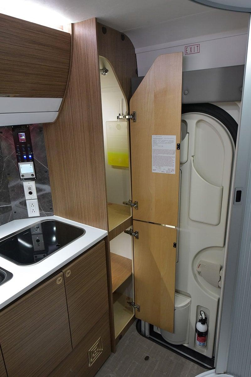 Cirrus 720 Rear Closet Wide