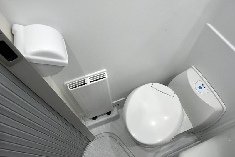 Cirrus 720 Wet Bath Alde And Toilet Paper Holder
