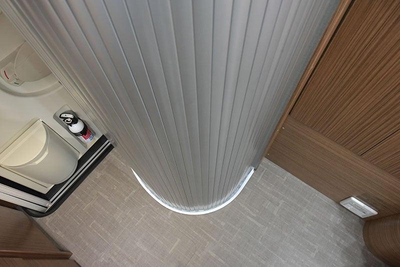 Cirrus 720 Wet Bath Door Closed