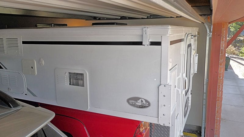 Pop Up Camper Very Close To Ceiling