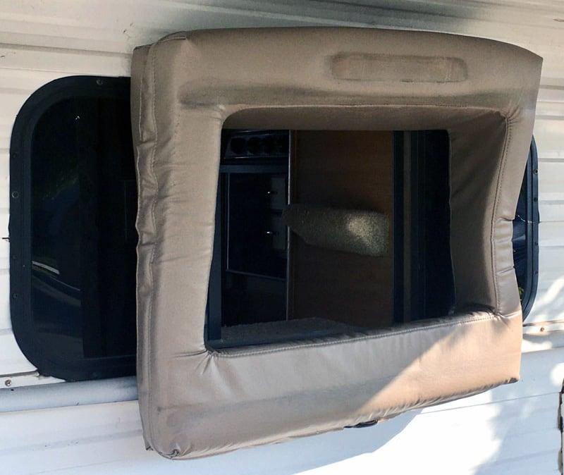 Vinyl Boot Camper To Truck