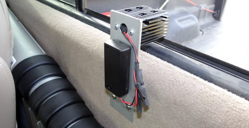 Heat Sink 3V Battery Pack With Switch And A Mounting Plate
