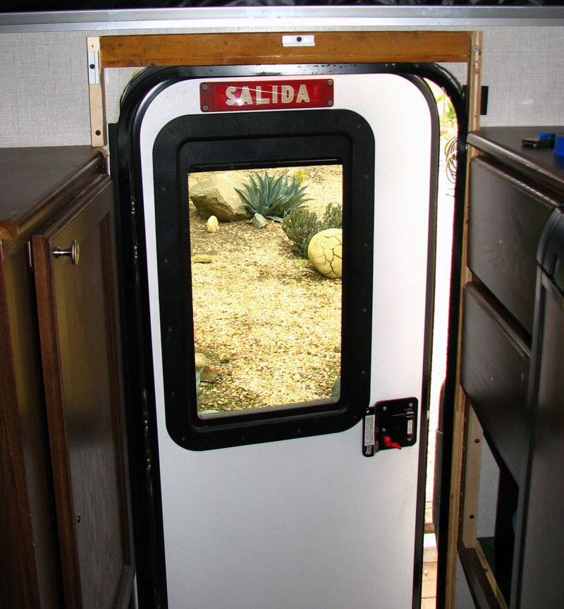 How To Install A Retractable Screen Door On Palomino SS-1200