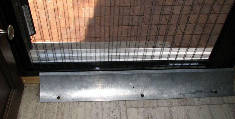 Retractable Screen Door Plate On Floor