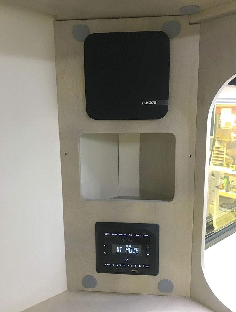 Cirrus 820 The Cube Stereo