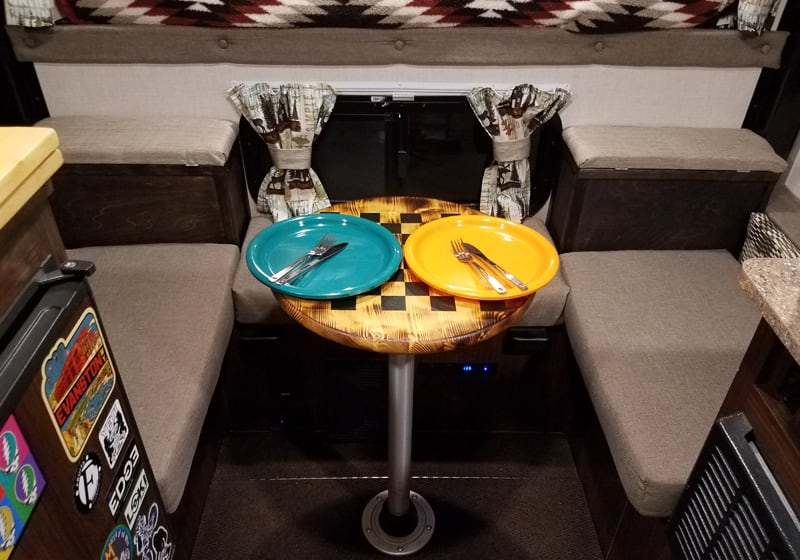 Kitchen Chess Circle Table Camper