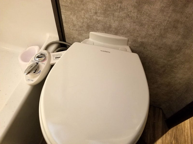 Ceramic Toilet Closed And Bidet