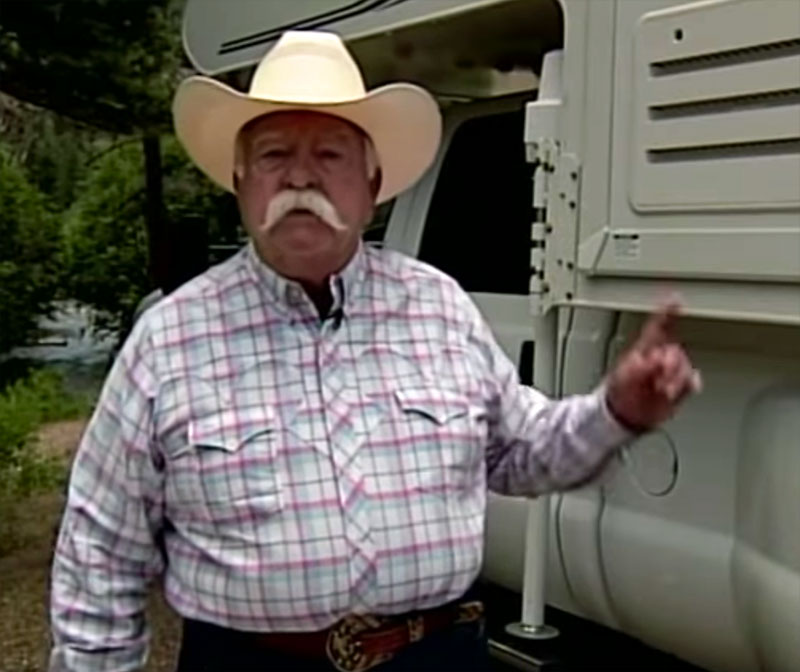 Wilfred Brimley and his Lance 1181 truck camper