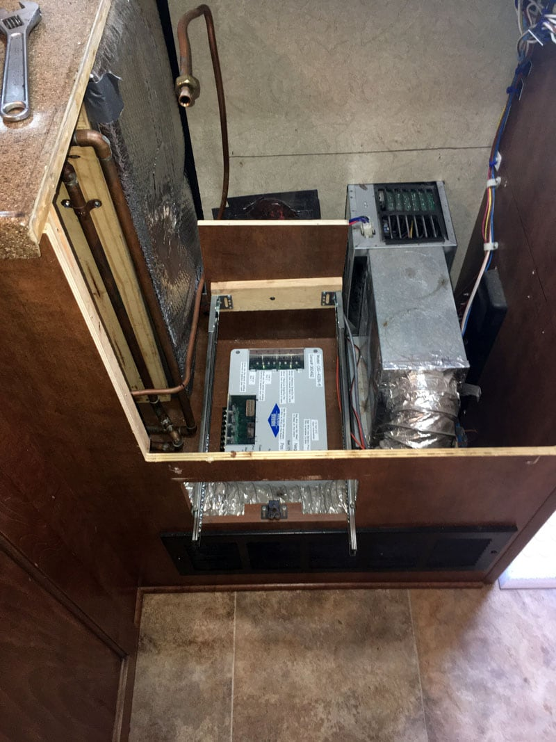 drawer removed Rieco-Titan underneath