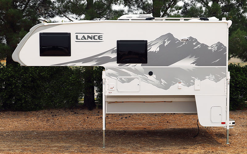 Lance 960 Camper Drivers Side Profile