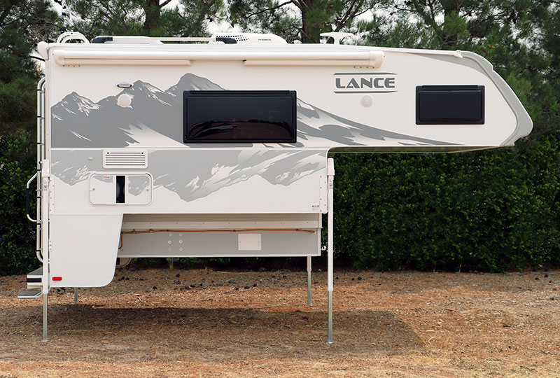 Lance 960 Camper Passenger Side
