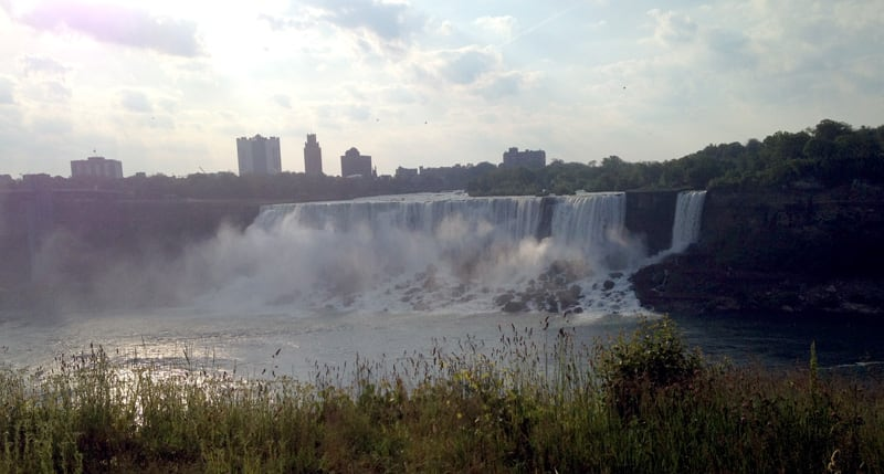 Niagara-Falls-two-falls