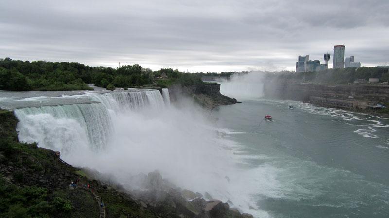 Niagara Falls water spray