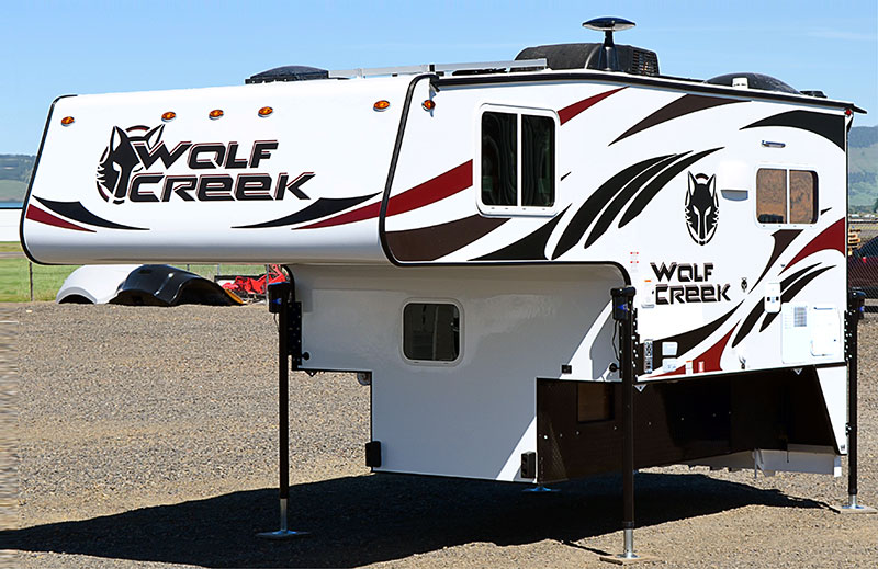 Wolf Creek 890 Exterior Front Three Quarters