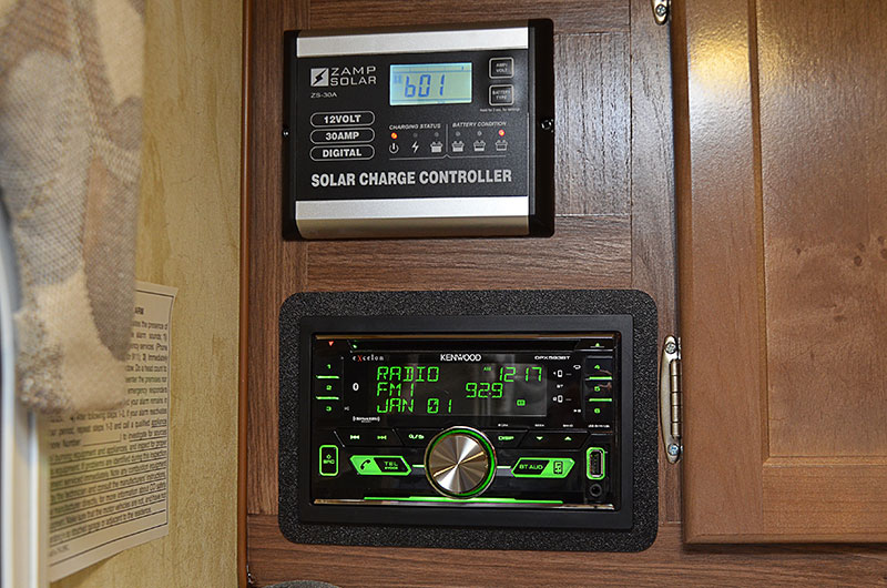 Wolf Creek 890 Interior Solar And Radio