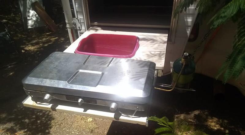 Slideout Chuckwagon With Sink And Stove