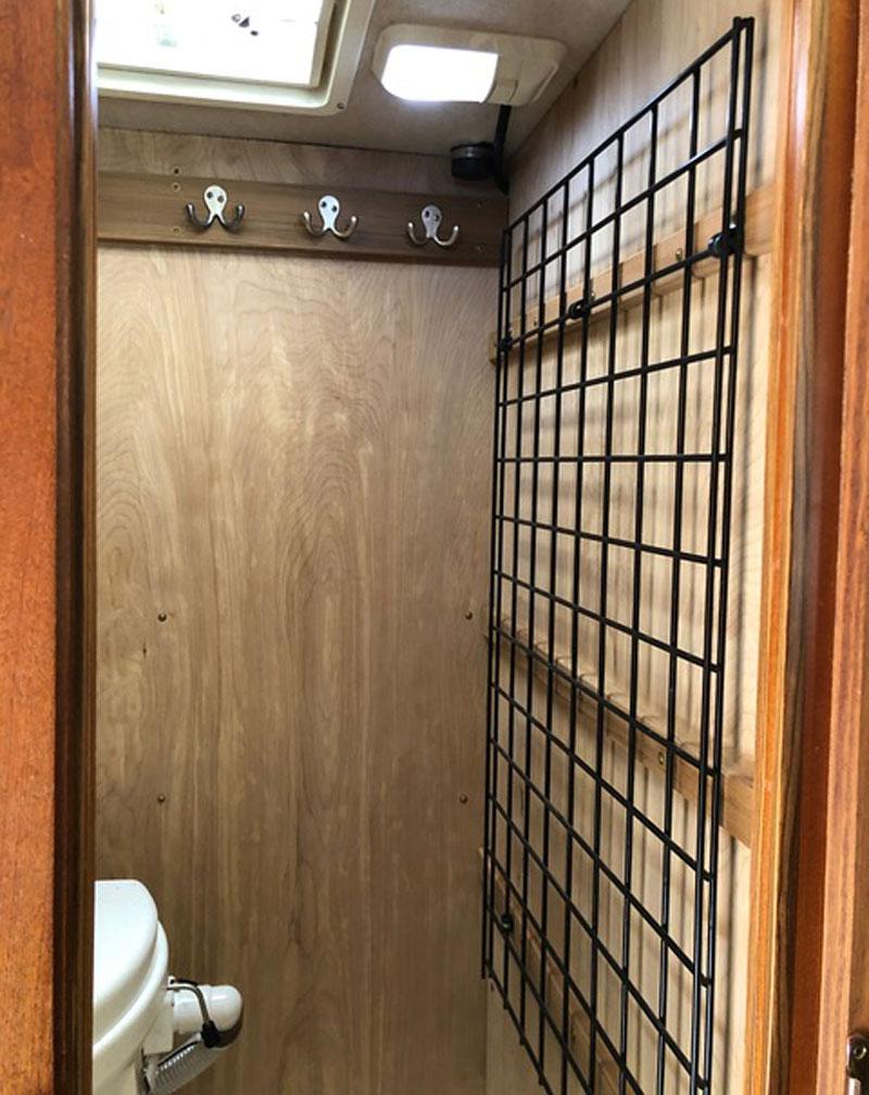 Bathroom Composting Toilet Rack And Hooks