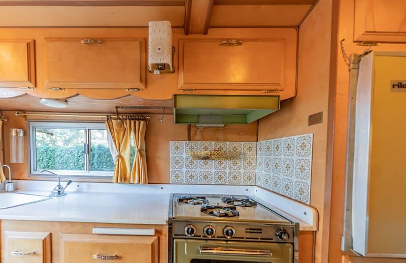 Travel Queen Camper Kitchen