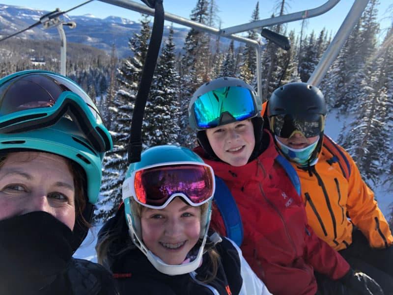 Rundes On Ski Lift