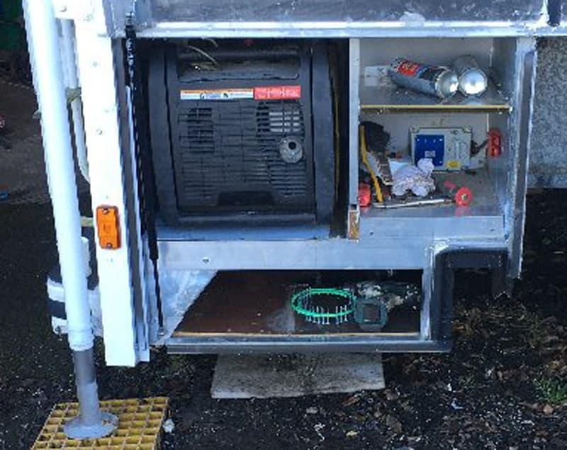 Gullwing Lockers With Generator