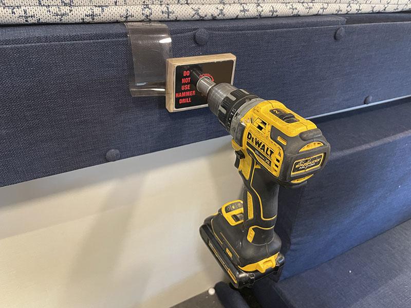 Hallmark Nevada Side Entry Super Manual Lift Drill