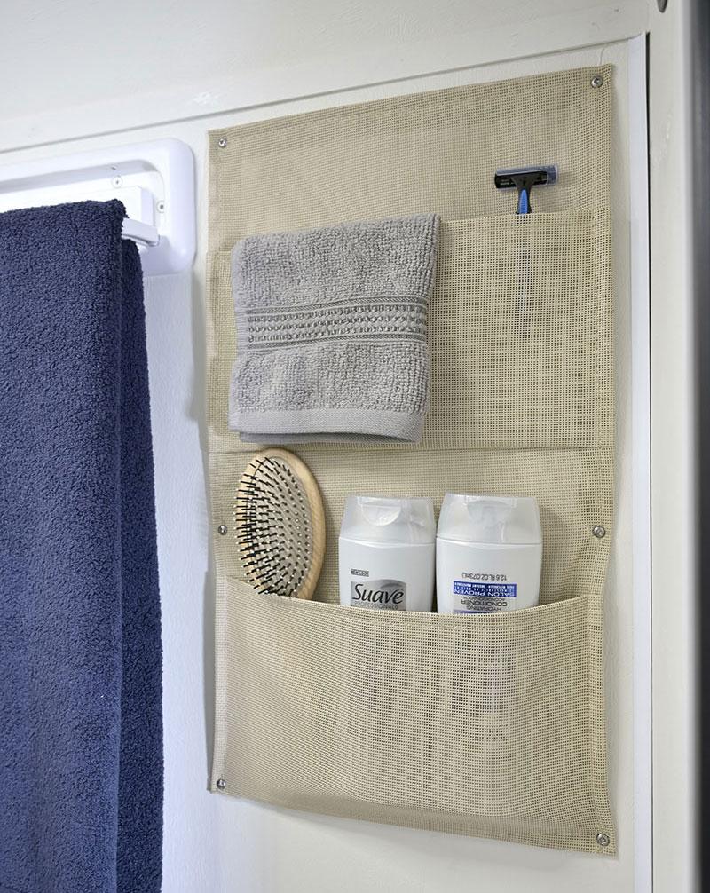 2022 Cirrus 820 Bathroom Storage