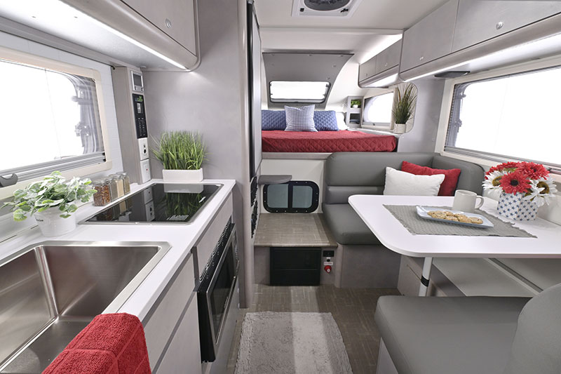 2022 Cirrus 820 Camper