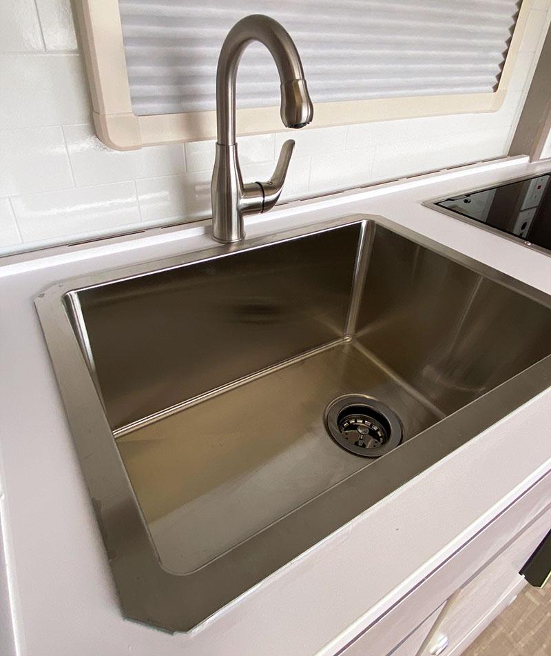 2022 Cirrus Sink