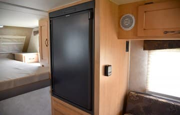 Adventurer-80RB-Refrigerator-Closed