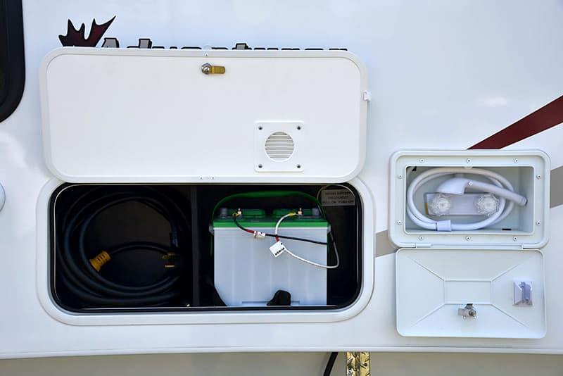 Adventurer-80RB-battery-power-cord