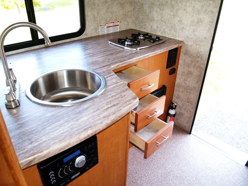 Adventurer 80S kitchen with circle sink