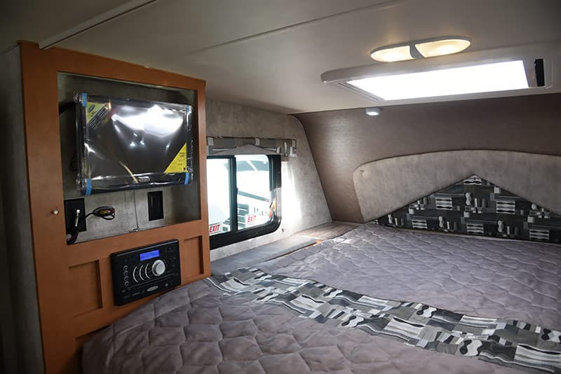 Drivers Side bed Adventurer 89RBS
