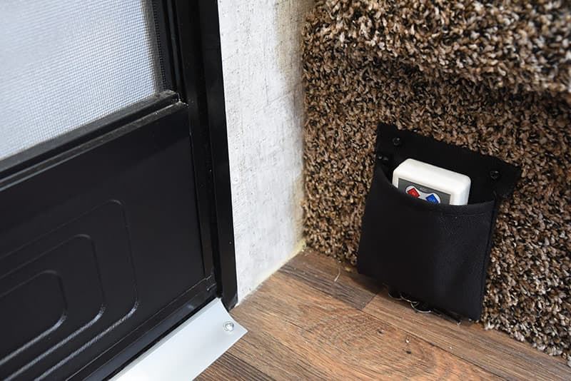 Adventurer 89RBS entry door remote pouch