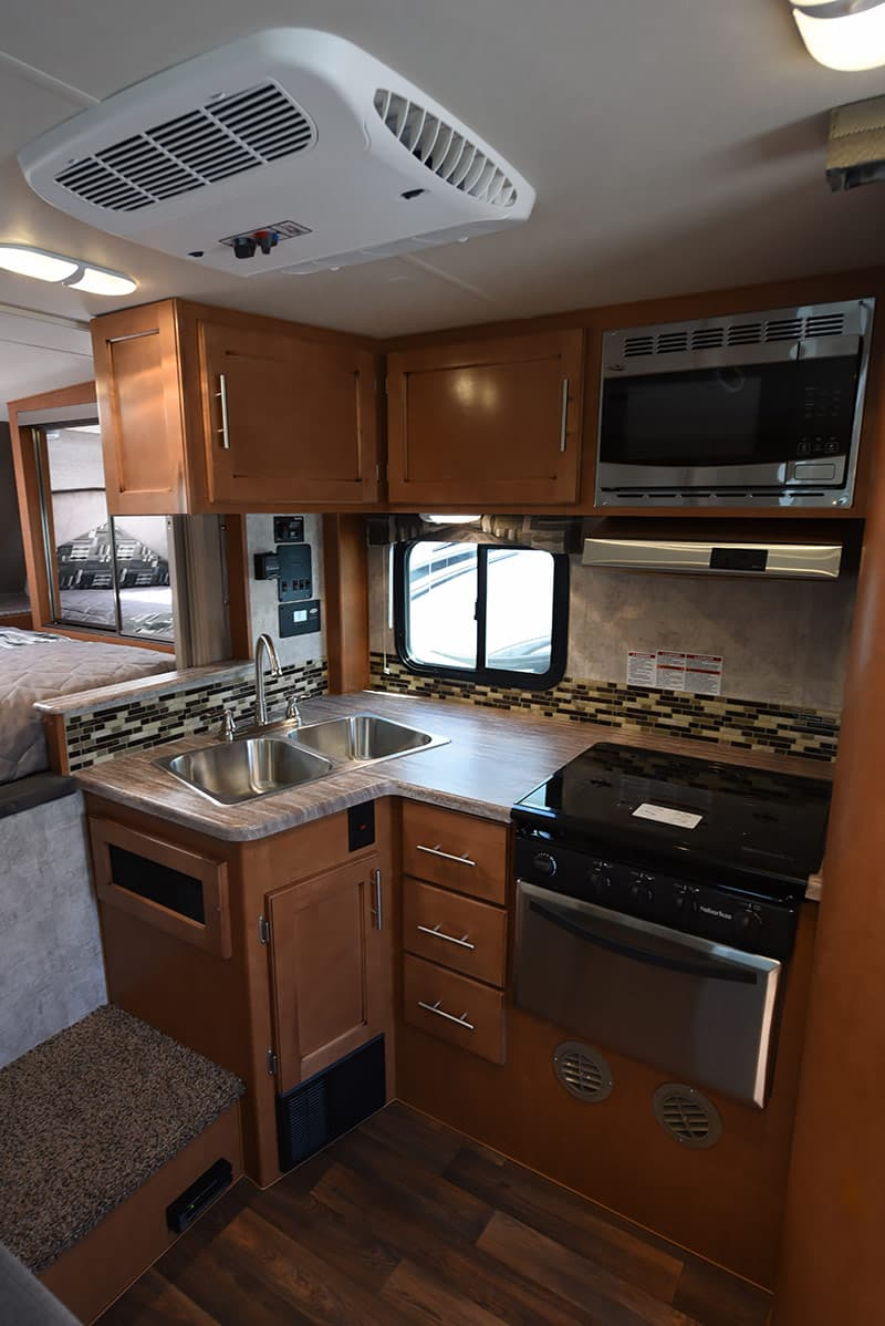 Adventurer 89RBS kitchen area