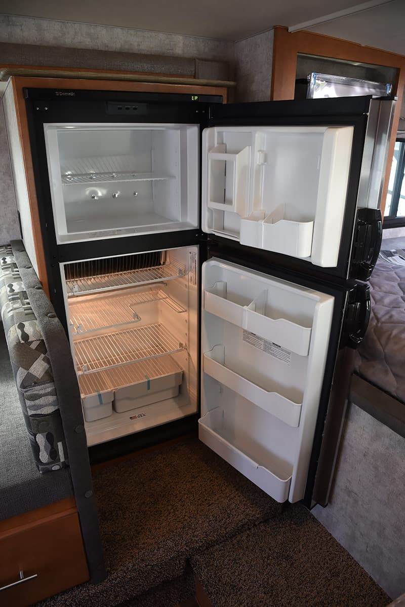 Adventurer 89RBS Refrigerator