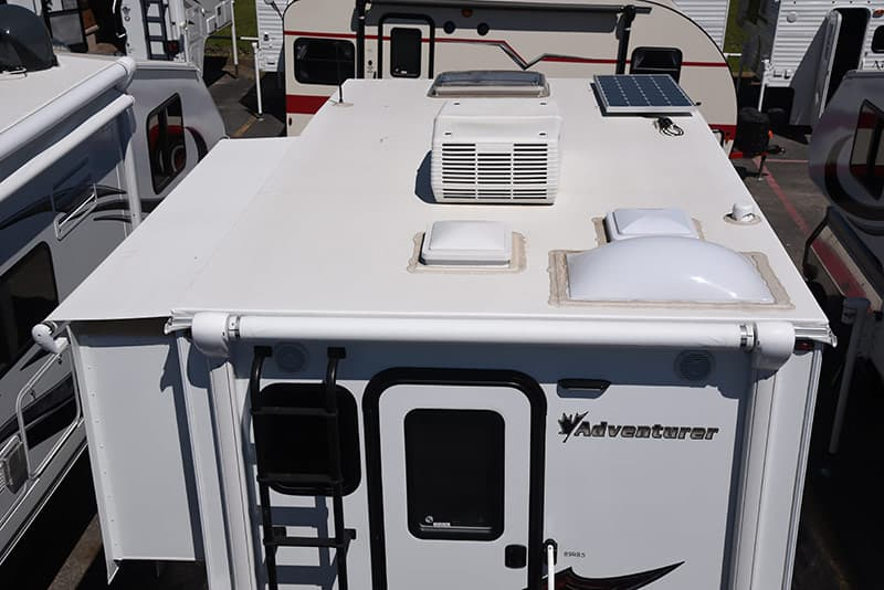 Adventurer 89RBS roof vents and air conditioner