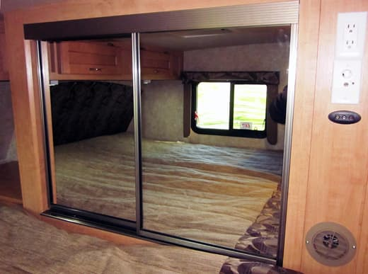 Adventurer-910DB-bedroom-wardrobe