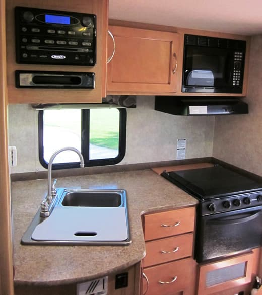 Adventurer-910DB-galley