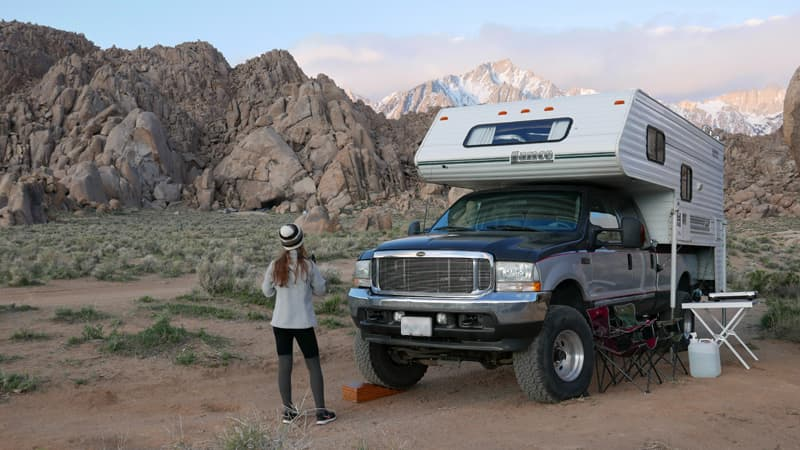 Boondocking in Alabama Hills, California
