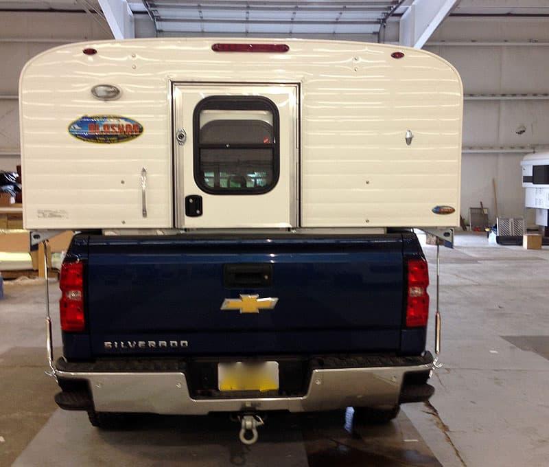 Alaskan Camper truck tailgate will close