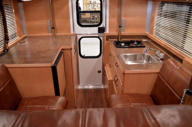 Alaskan Camper Buyers Guide Hard Side Pop Up Truck Campers